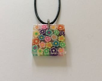 Resin Pastel flower necklace / resin jewellery / flower jewellery / summer jewellery