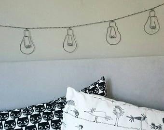 Garlands of 7 bulbs in wire, fun wall decor