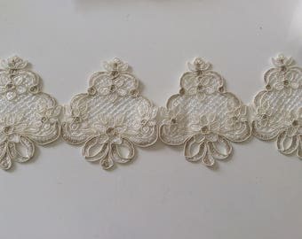 High quality 10 cm wide ecru color lace