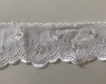 eyelet lace 6.5 cm in width, color white
