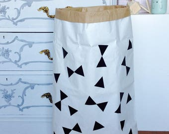 Paperbag XXL with knots and triangles pattern