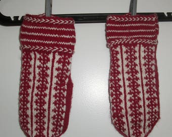 Hand knitted wool mittens red and white