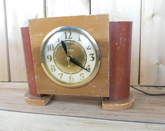 Vintage 50s United Clock Corp Wood Clock Made in Brooklyn New York Deco Style Mid Century Modern Mantle Table Clock French Country