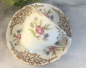Gold Lace Colclough China 6629 Tea Cup and Saucer Set Fine Bone China Vintage England Made Lovely Chintz Filigree