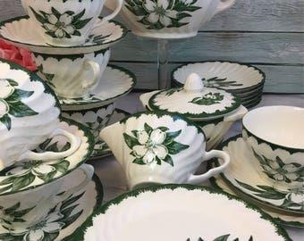 Tea Set for Six Vintage Royal China Woodbury Teapot Creamer Sugar Six Trios plus Berry Bowls 29 pcs Excellent Condition Extra Trios Swirl