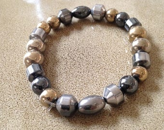 Hematite beaded stretchy bracelet