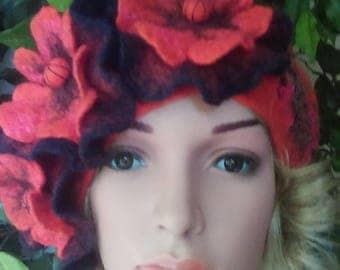 Felted 100% Wool  Nuno Felted beret Handmade .Flower Beret. Poppy.