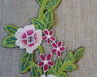 Sew on pink flower patch applique #7C1776