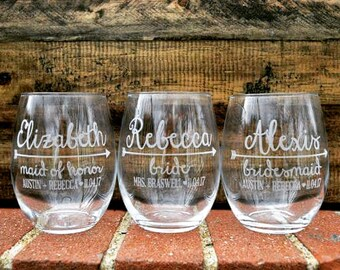 Set of (2) Bridesmaids Wine Glasses; Bridesmaids Gift; Bachelorette Party Gifts; Bridal Party Wine Glass