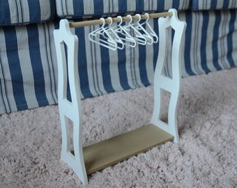 Clothes Rack and hangers for Dolls