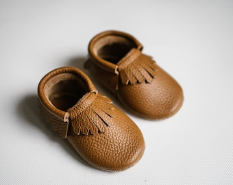 baby classic moccasins/ caramel leather/ baby loafers/ baby moccs/ brown moccasins/ handmade boots/ baby boy moccs/ baby girl moccs/ camel