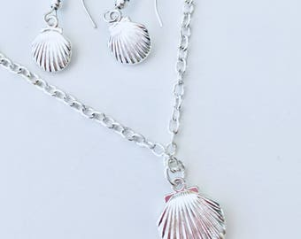Shell Lovers Necklace & Earring Set