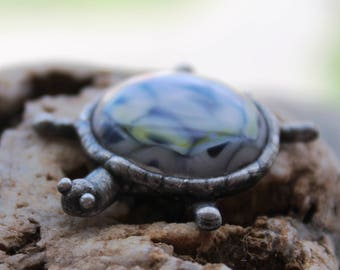 Sea turtle brooch,fused glass turtle brooch,turtle pin,turtle badge,turtle glass,blue gray turtle