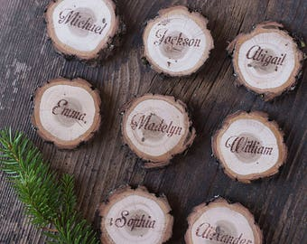 Rustic Christmas table decor, wood place cards, wood name card with bark, personalized place cards, wood slice place card, log name card