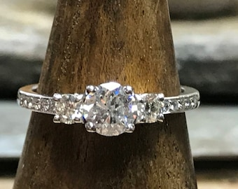Diamond Three Stone Ring in 18 carat White Gold.