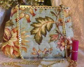 Vintage Look Special Occasion Bag !