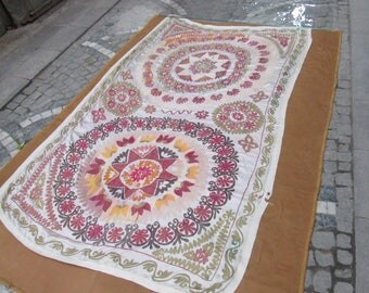 White Color Suzani Bedspread,Needlework Suzani Bedding,regional hand made textile,middle old bedding,8'8 feet x 5'3 feet ,n:88
