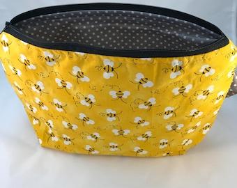 Buzzy Bee - Worker Bee 2-3 skein bag