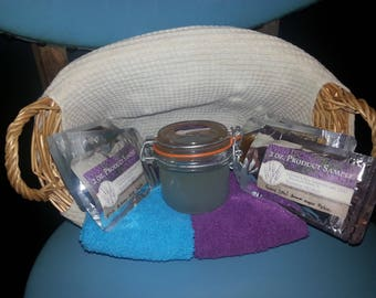Hand crafted sugar or salt scrubs, enriched with essentials oils to soothe the body and soul.