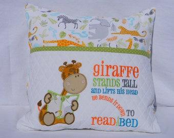 Giraffe reading Pillow, Pocket Pillow, Kids Gift, Personalized Kids Gift, Embroidered pillow, Giraffe Gift, Birthday Gift
