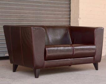 Vintage retro Italian La Nouva leather 2 seater sofa love seat settee