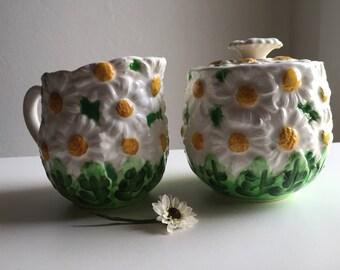 Vintage Daisytime pitcher / sugar jar with lid  Lefton