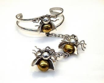 Sterling Silver 2 Tones Fly Ring attached to Cuff Bracelet