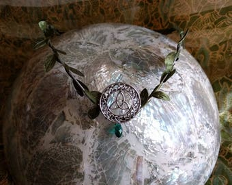 Celtic Knot Circlet - Trinity Knot Tiara  - Emerald Green Crown