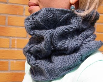 Cowl/neckwarmer/scarf/snood/knitted cowl
