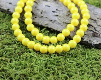 Vintage inspired glass Pearl Necklace Sun yellow