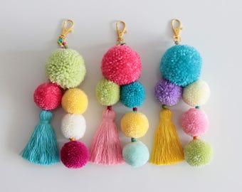 Bag Pom Pom Charm, Pom Pom Keychain, Tassel Keychain, Bag Charm, Handbag Charm, Pompom Keychain, Beach Bag Pom Pom, Gift, Tassel Bag Charm