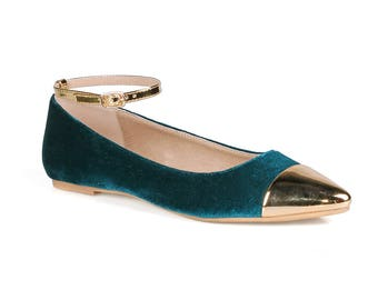 Mark and Maddux Brady-03 Pointed-Toe Women's Flats in Teal