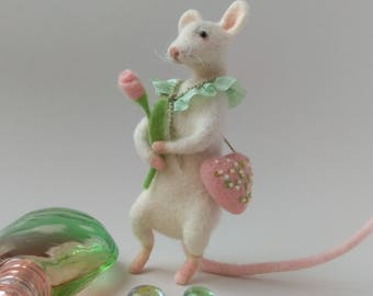 Spring mouse Needle felted mouse flower  Easter mouse Figure Decorative mouse Felted mouse toy Spring gift idea Miniature mouse Spring time