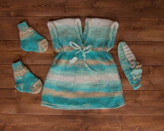 Handmade knitted set for newborn baby girl
