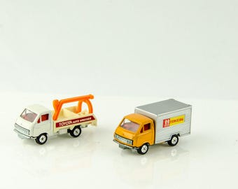 Vintage Tomica Toyota Hiace Lot #24 Toyota Wrecker 1/68 + Tomy Trucking 1/68