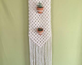 Vertica plant hanging