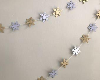 Snowflakes garland - Winter wedding - Winter snowflakes - Gold and silver snowflakes - Christmas decorations - Handmade garland