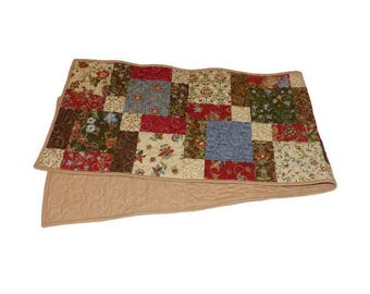 Flowered Disappearing Nine Patch Table Runner