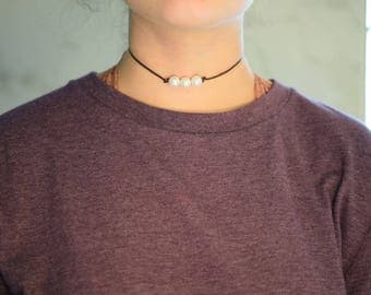 Dark Brown Leather 3 pearl necklace