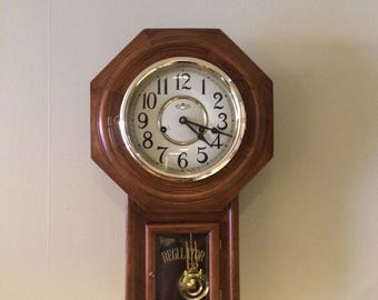 Vintage D & A REGULATOR Windup Wall Clock