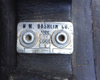 Vintage W.M. Bashlin D22 lineman belt