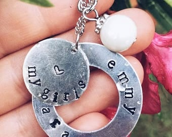 Open circle necklace with pearl charm