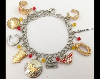 Wonder Woman Lobster Clasp Charm Bracelet in Gift Box