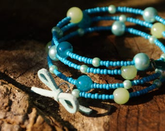 Blue and green bead memory bracelet