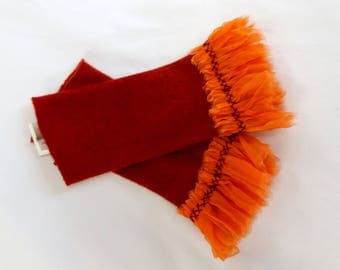 Pulse warmer from rust cashmere with embroidered ruffle from organza-pleated