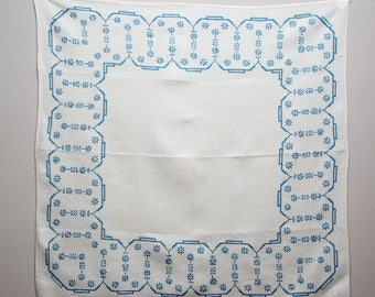 Vintage Embroidered Linen Table Cloth