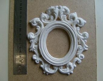 Interleave for creation plaster oval frame