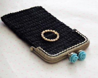 Multi functional black purse in retro look