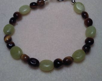 Prehnite and Tiger Eye Beaded bracelet