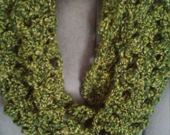 Green Cluster Crosses Infinity Scarf